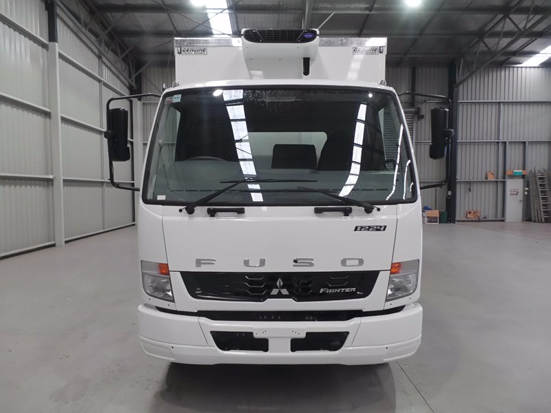 fuso fighter 1224 426015 006