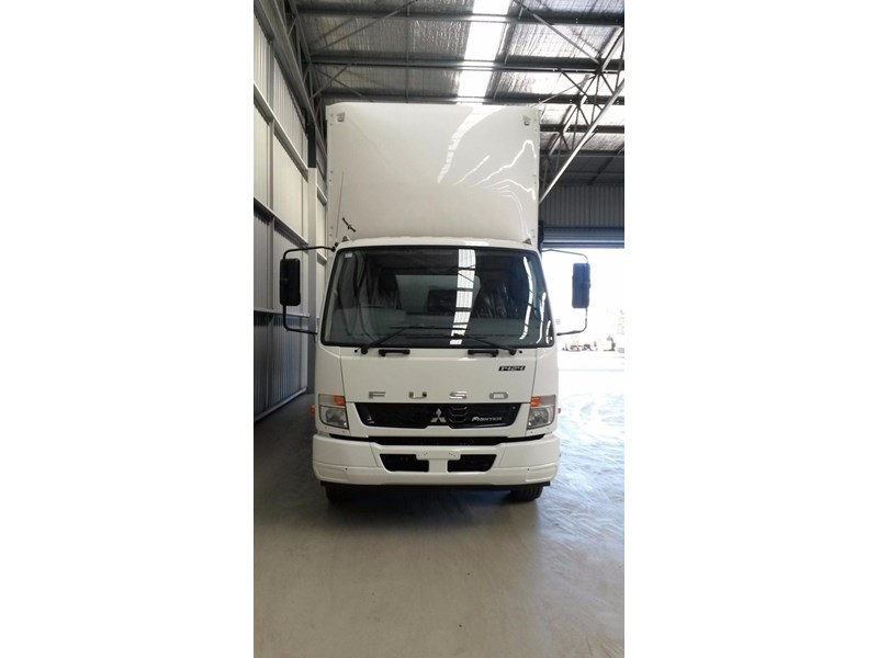 fuso fighter 1424 231636 012