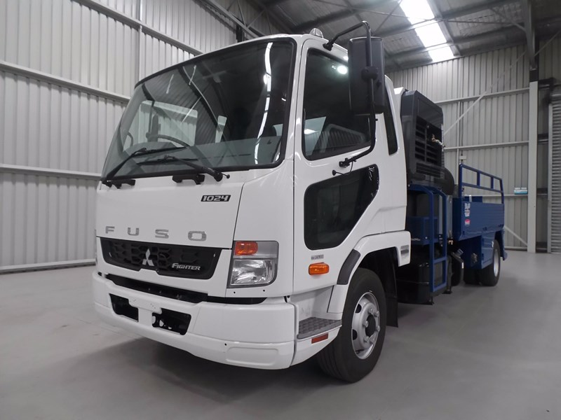 fuso fighter 1024 426328 002