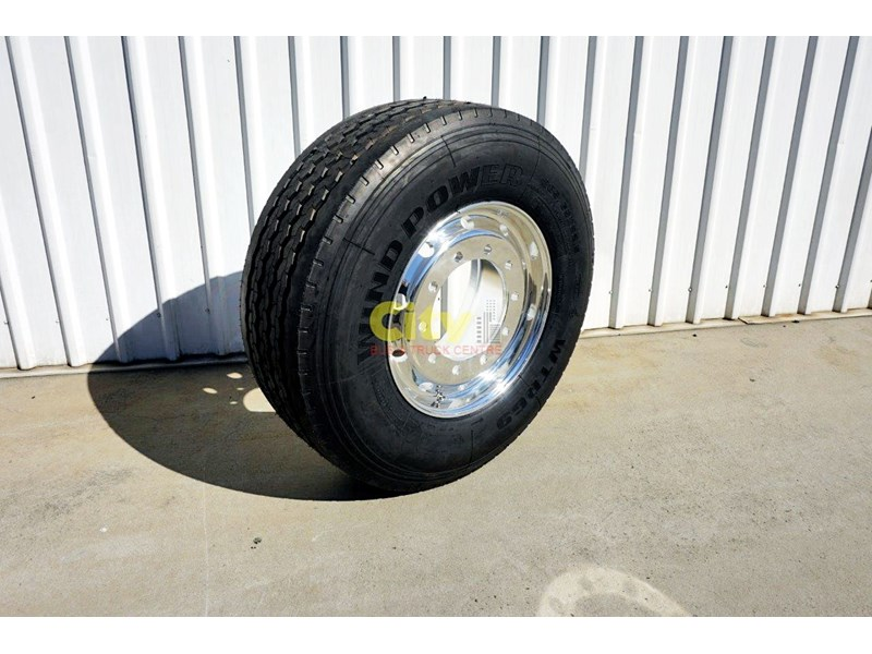 other 10/335 11.75x22.5 super single rim & tyre package 424869 001