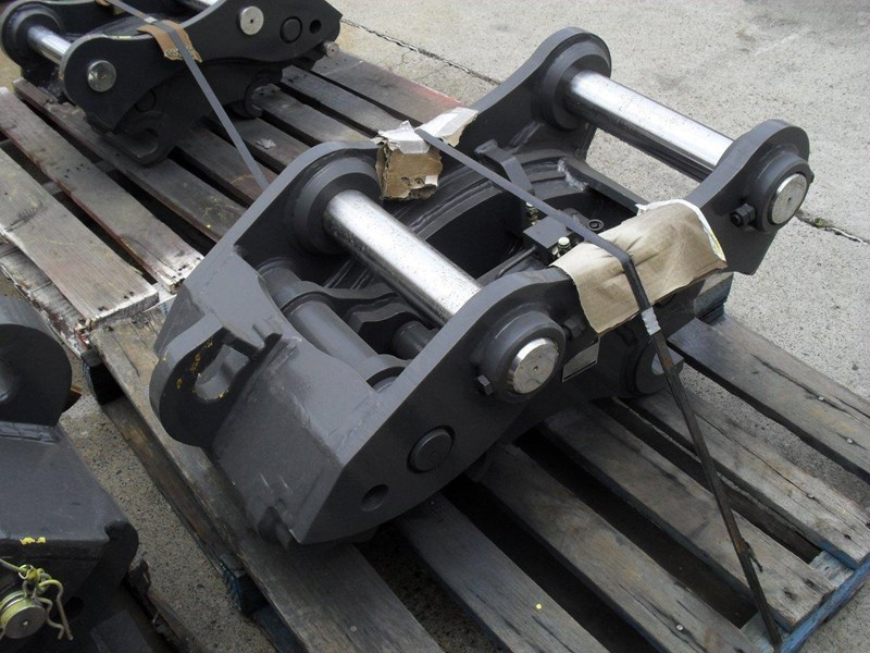 ubtech excavator hitch / hydraulic quick hitch [pp058] [suits 18 to 26t excavator] [uqc200] [attppitem] heavy duty. 236089 001