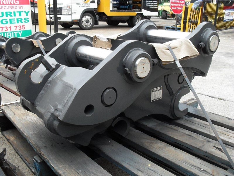ubtech excavator hitch / hydraulic quick hitch [pp058] [suits 18 to 26t excavator] [uqc200] [attppitem] heavy duty. 236089 002