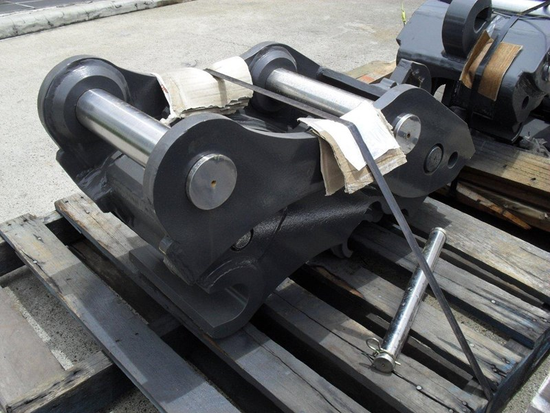 ubtech excavator hitch / hydraulic quick hitch [pp058] [suits 18 to 26t excavator] [uqc200] [attppitem] heavy duty. 236089 005
