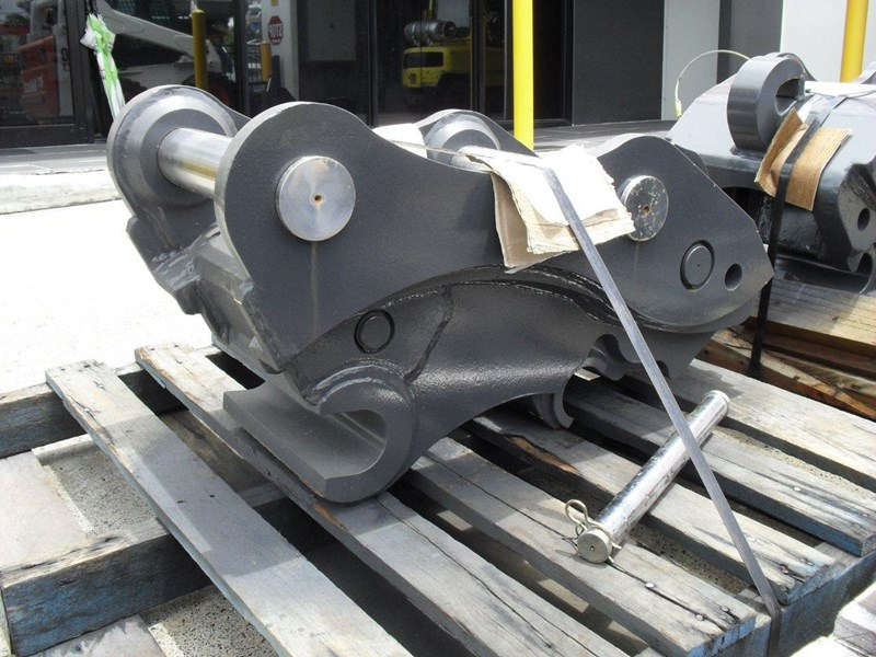 ubtech excavator hitch / hydraulic quick hitch [pp058] [suits 18 to 26t excavator] [uqc200] [attppitem] heavy duty. 236089 006