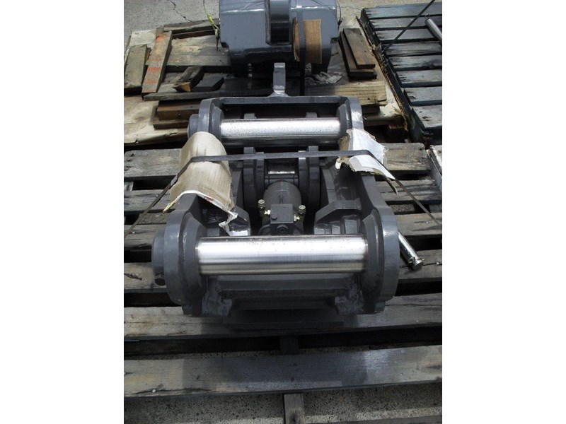 ubtech excavator hitch / hydraulic quick hitch [pp058] [suits 18 to 26t excavator] [uqc200] [attppitem] heavy duty. 236089 010