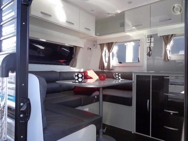 leader caravans palladium 23 ensuite slide out bedroom 427203 011