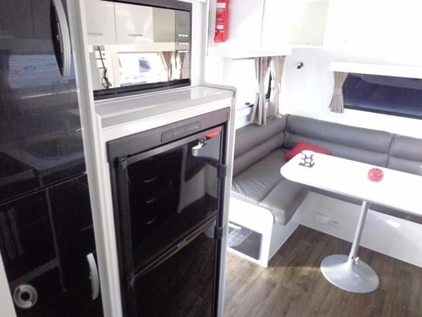leader caravans palladium 23 ensuite slide out bedroom 427203 014