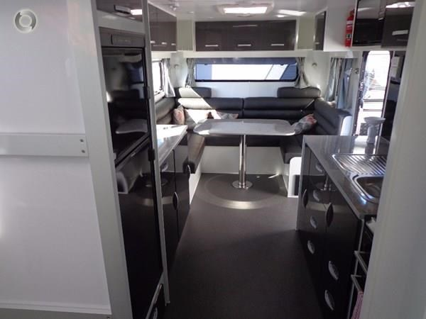 leader caravans palladium 24 centre ensuite club lounge 427209 014