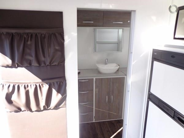 leader caravans 19' gold ensuite 427716 008