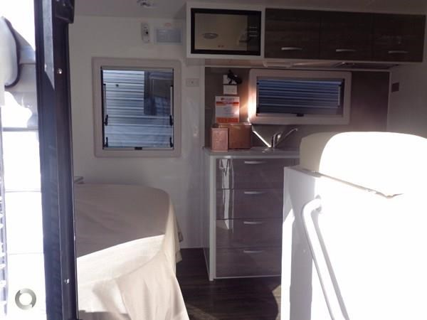 leader caravans gold 18' tandem axle ensuite 427720 009