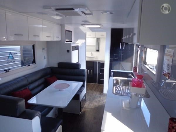 leader caravans gold 20'6 club lounge ensuite 427724 007