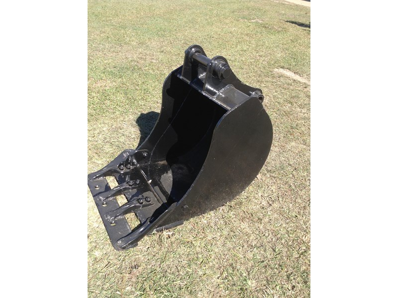 jcb gp bucket with teeth 427861 001