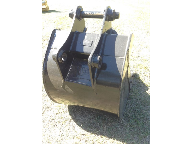 jcb gp bucket with teeth 427861 004