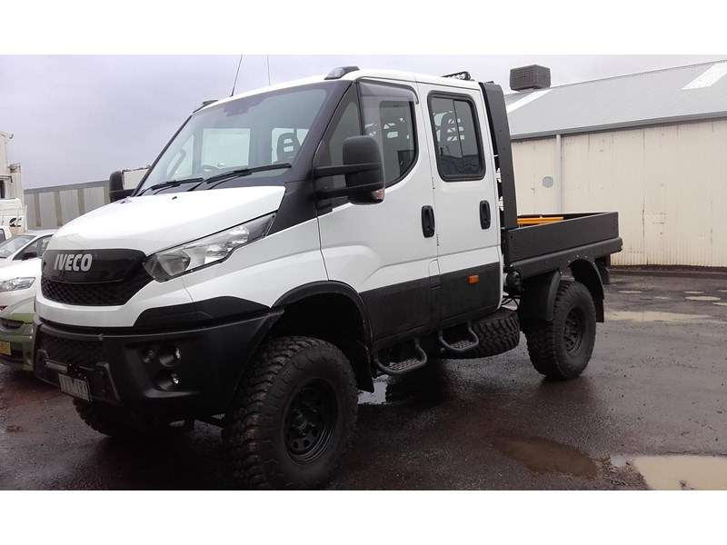iveco daily 55s17dw 338255 006