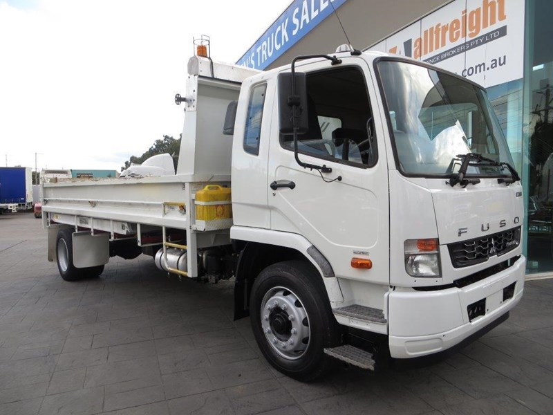 fuso fighter 427125 002