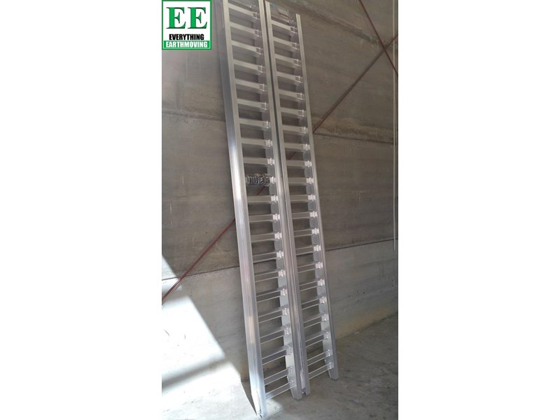 sureweld aluminium loading ramps call everything earthmoving 1300 43 44 33 429553 010