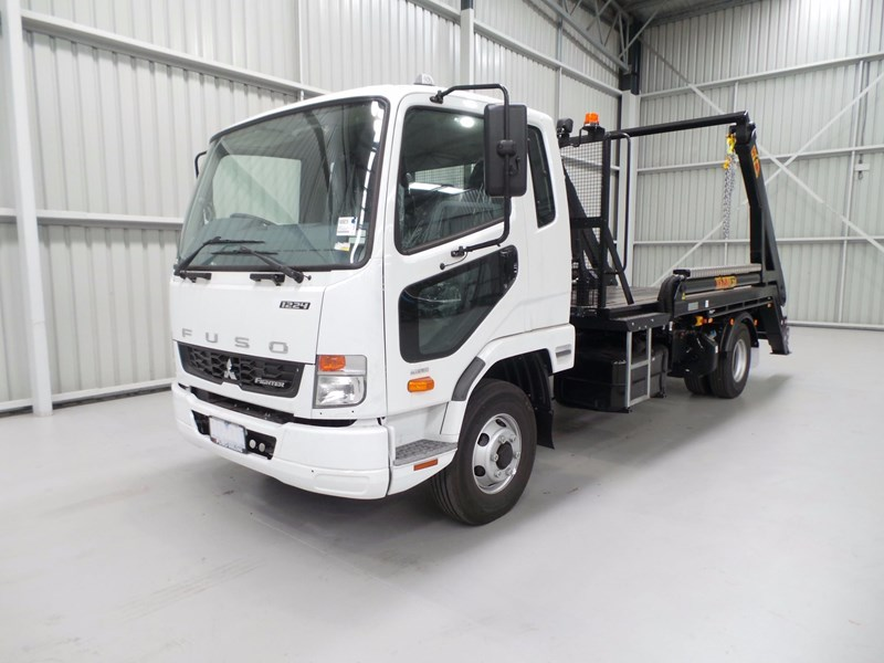 fuso fighter 1224 429799 001