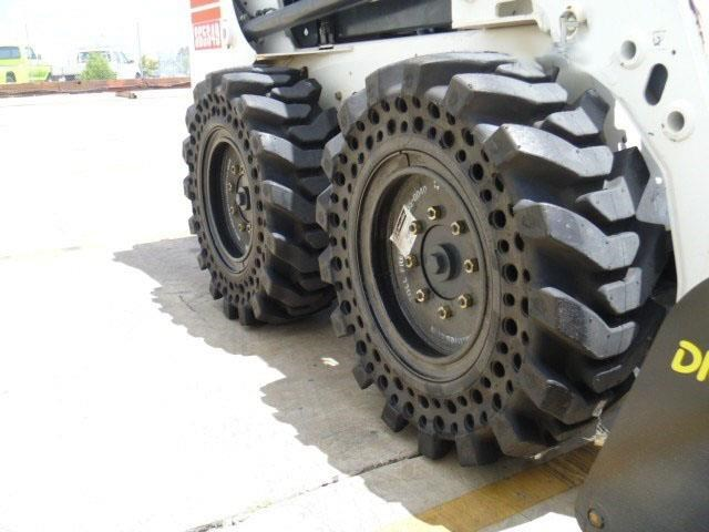 "workmate 12"" solid bobcat tyres 430579 003"