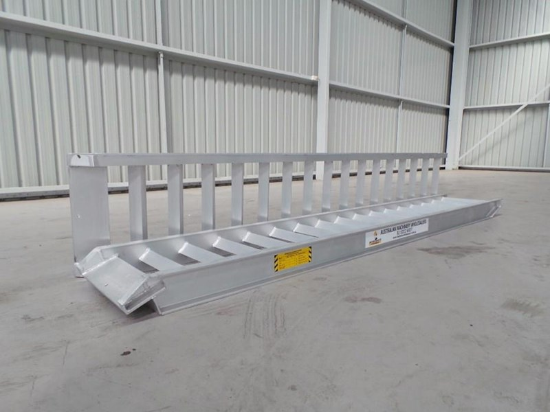 workmate 4 ton alloy loading ramps 10079 001