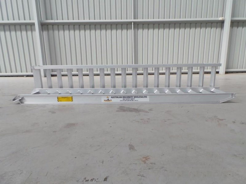 workmate 4 ton alloy loading ramps 10079 002