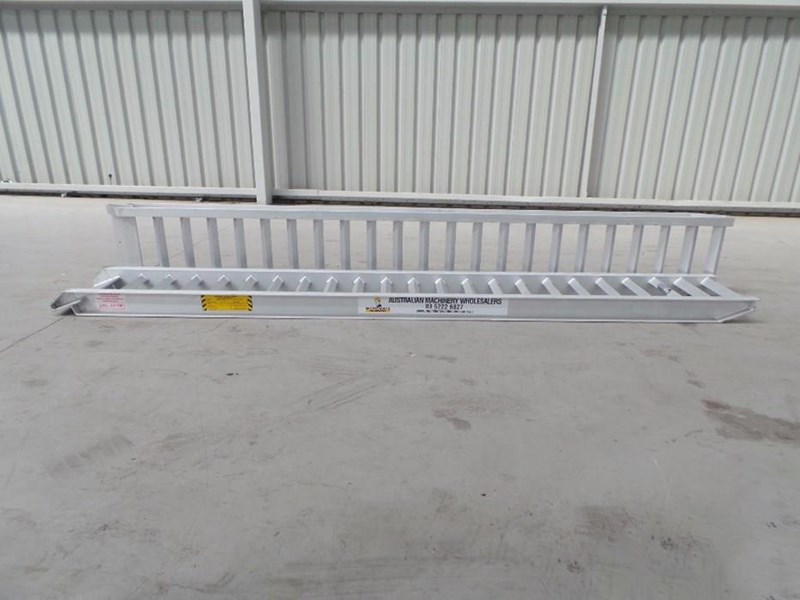 workmate 4 ton alloy loading ramps 10079 003
