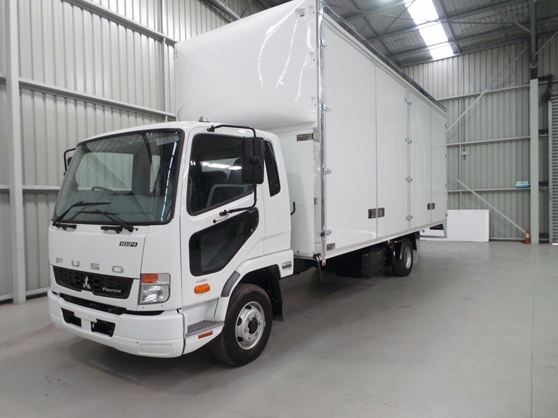 fuso fighter 1024 430897 002