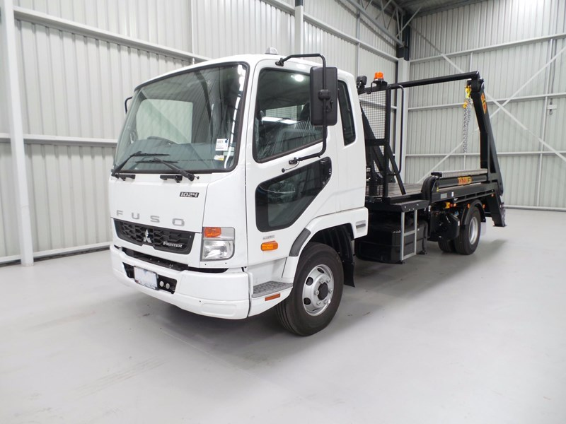 fuso fighter 1024 430861 002