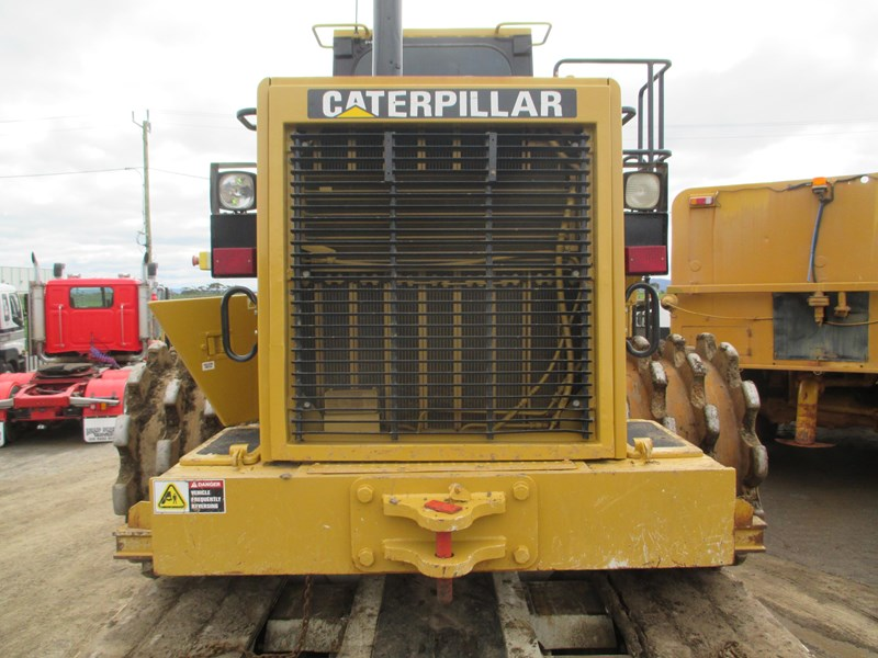caterpillar 815f compactor (also available for hire) 431364 030