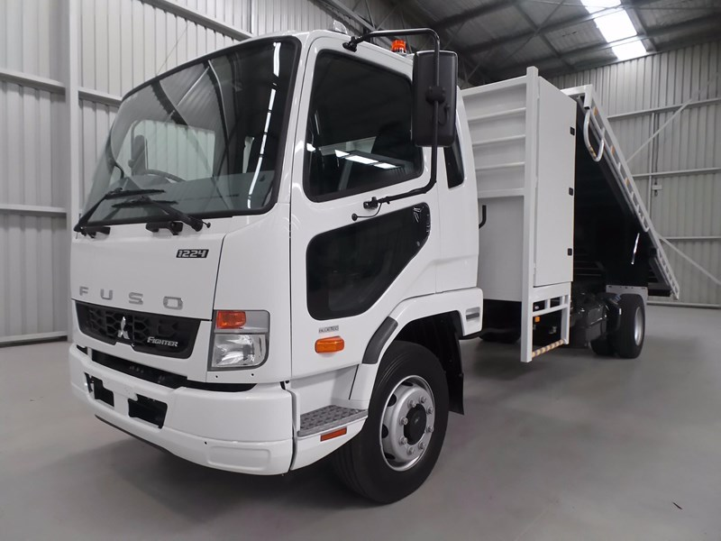fuso fighter 1424 432132 009