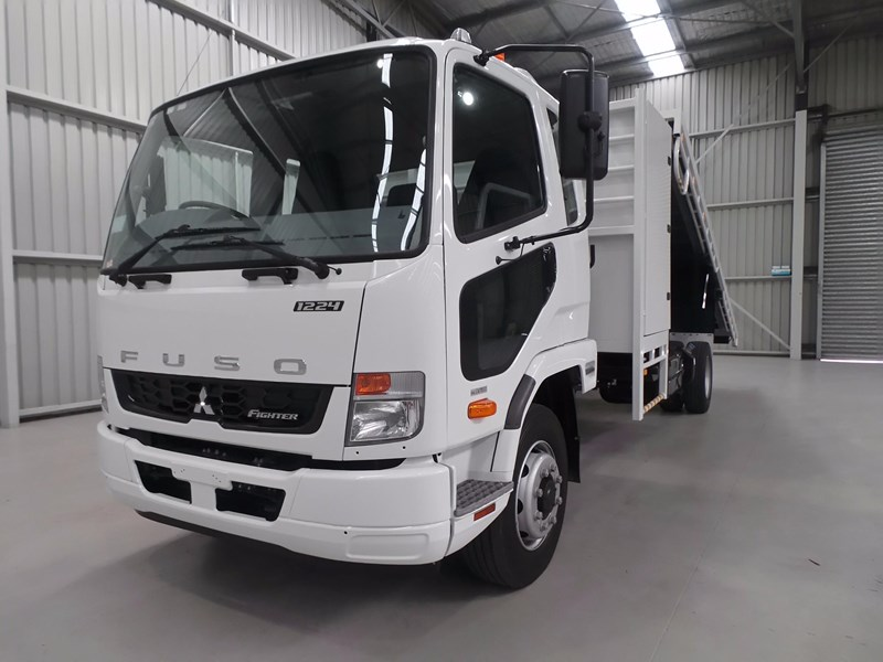fuso fighter 1424 432132 008