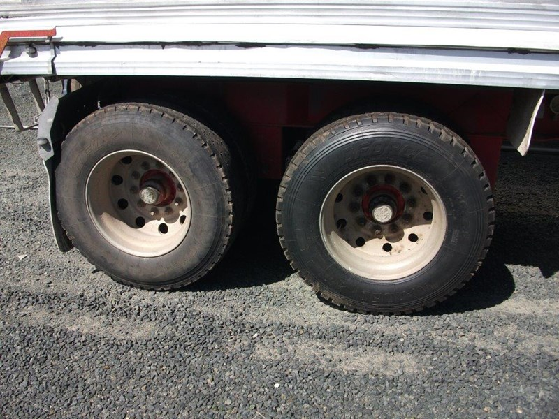 hamelex white alloy three axle dog 432310 002
