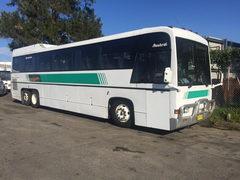 austral tourmaster dc122 tag axle coach, 1986 model 432914 001