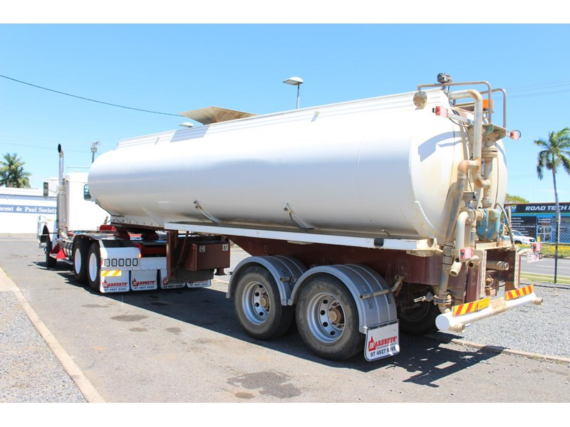 highgate tandem axle water tanker 433114 012