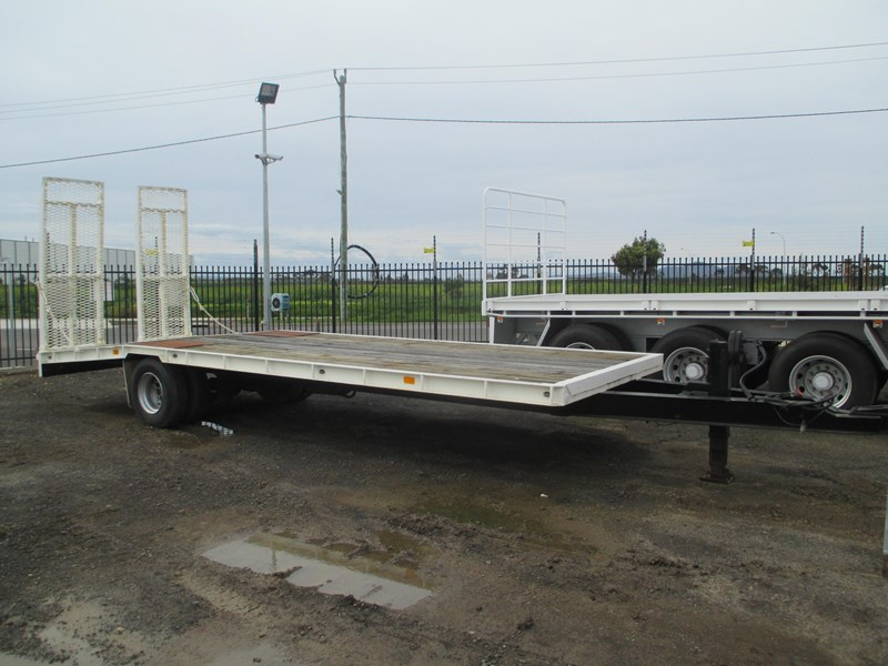 tag-a-long trailer with beaver tail 433519 003
