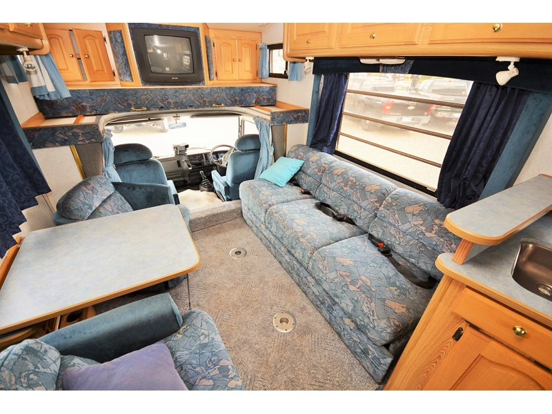 mazda winnebago alpine 428651 005