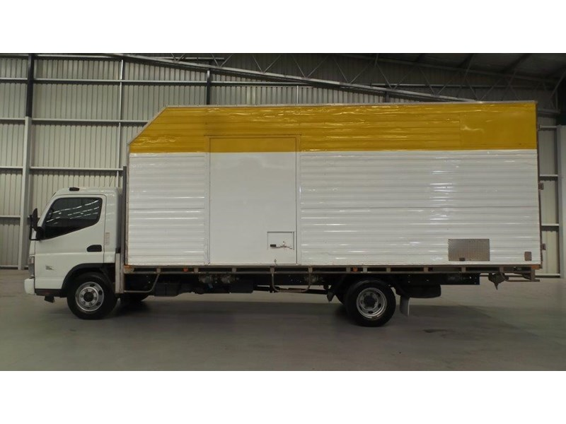 fuso canter 425808 002