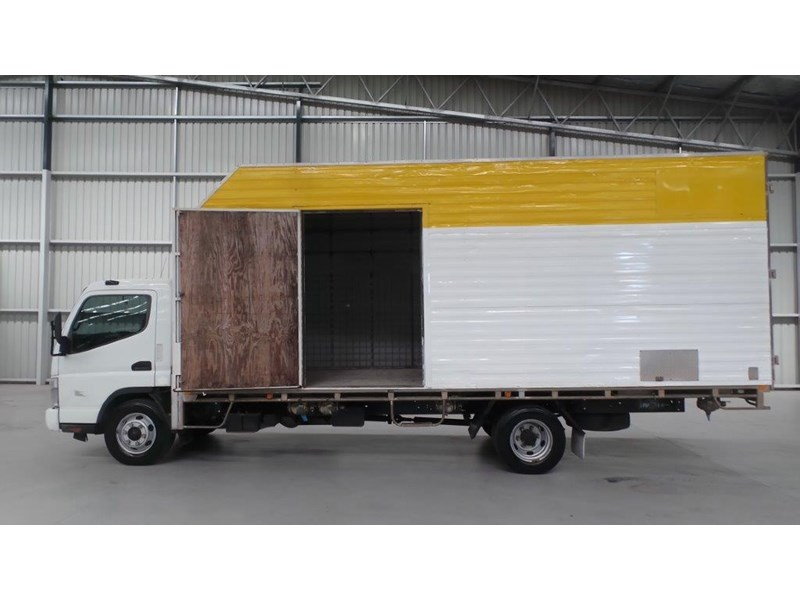 fuso canter 425808 009