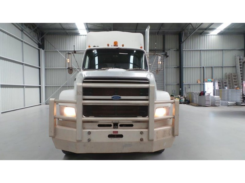 ford ln9000 411011 007