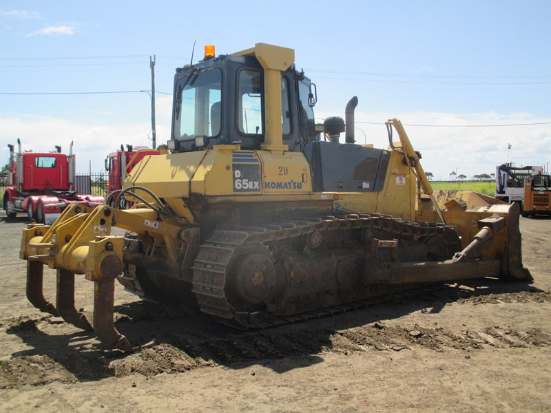 komatsu d65ex-15 dozer (also available for hire) 434804 002