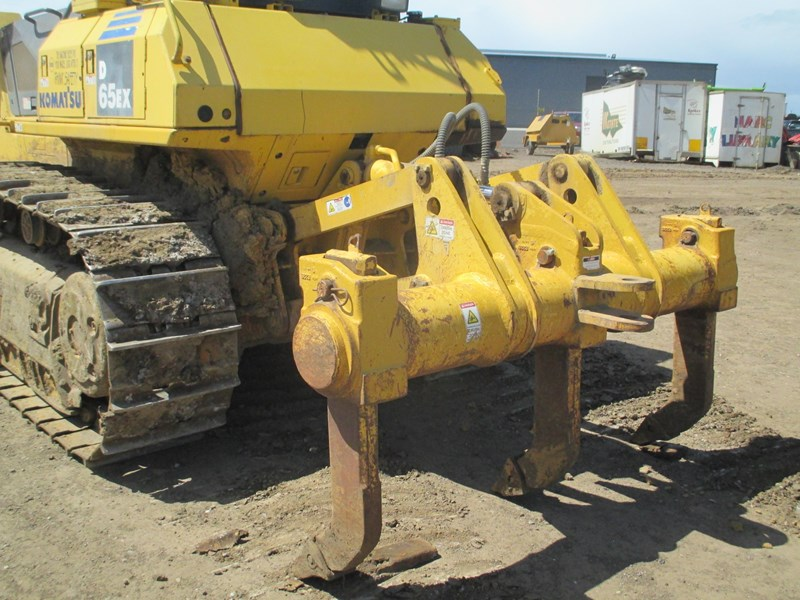 komatsu d65ex-15 dozer (also available for hire) 434804 008