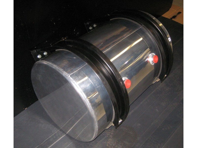 hydraulic oil tanks - polished alloy 18292 009