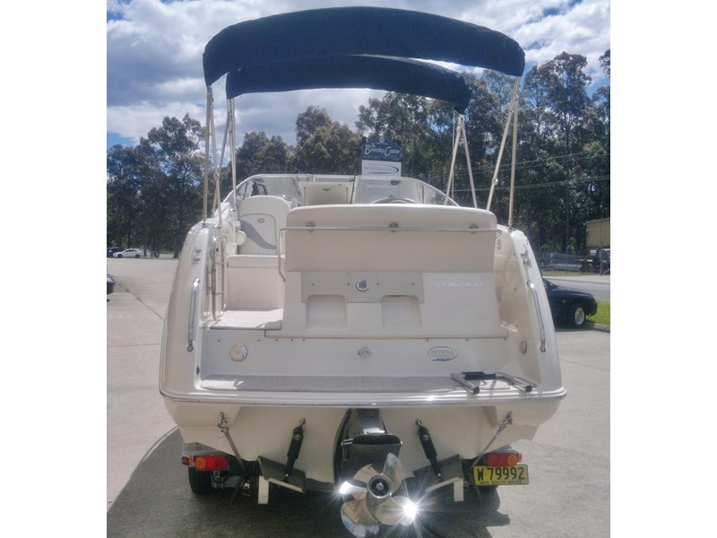 stingray 240cs cabin cruiser 435578 004