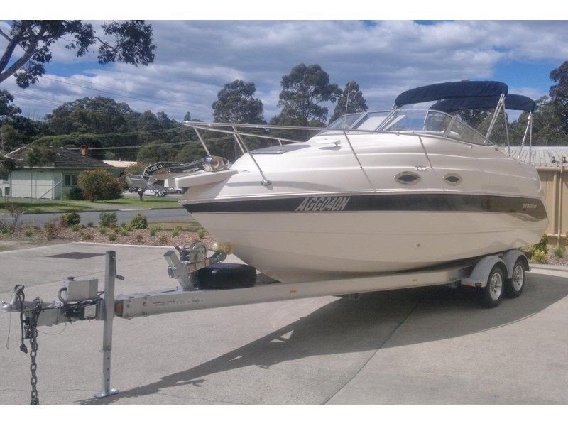 stingray 240cs cabin cruiser 435578 005