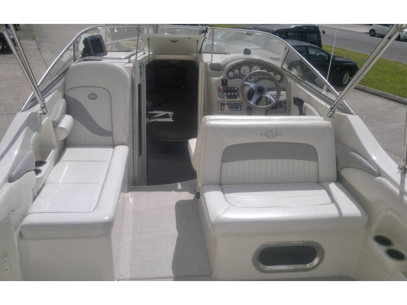 stingray 240cs cabin cruiser 435578 008