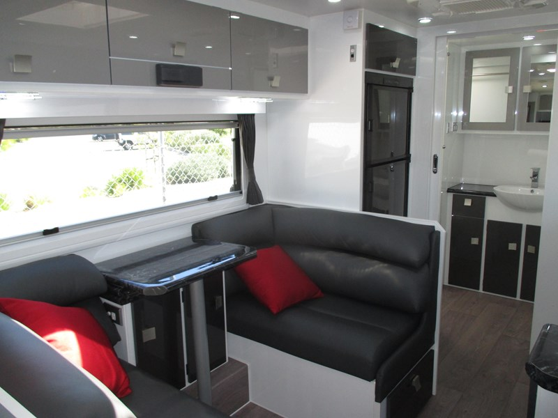 traveller 20' predator off road caravan...sold... 435878 020
