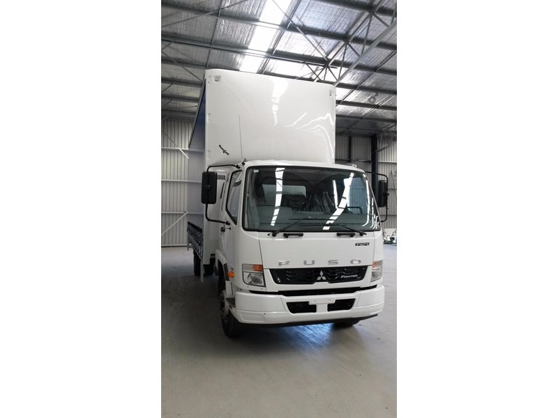 fuso fighter 1424 381468 012