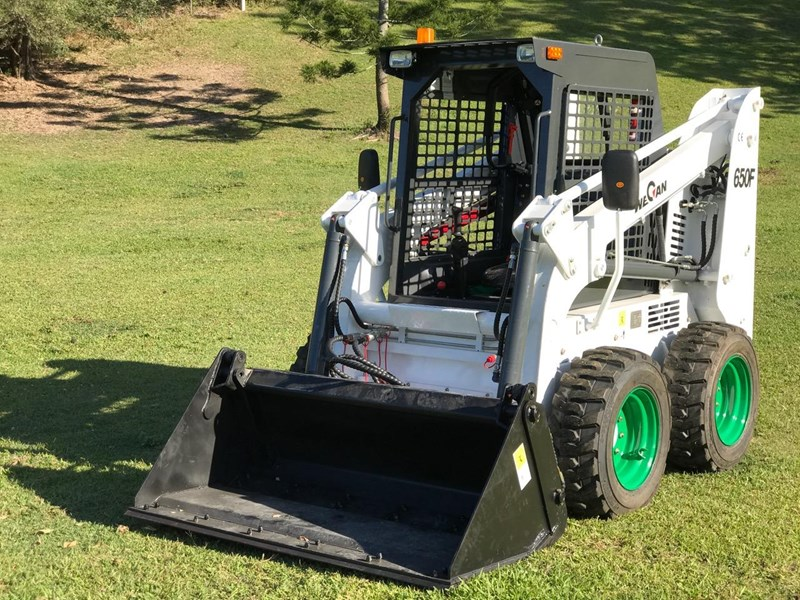 wecan skid steer loader with 4 in 1 bucket 436478 016