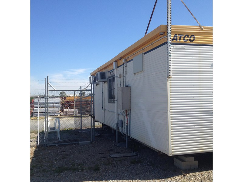 atco 12m x 9m transportable office complex (3 off 12 x 3 sections) 436549 003