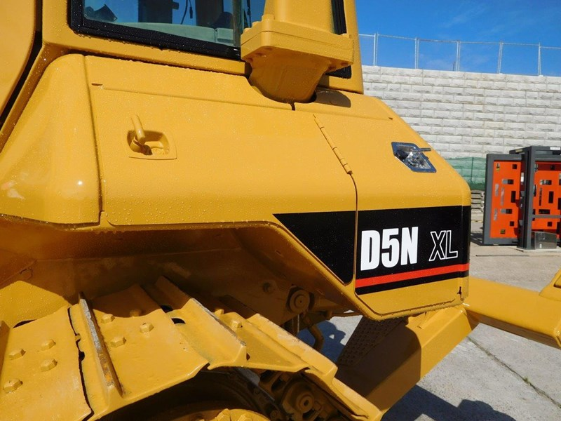 caterpillar #2217d cat d5 dozer d5n.xl bulldozer with ac cab & brush guard [low hours] [machdoz] 436684 003