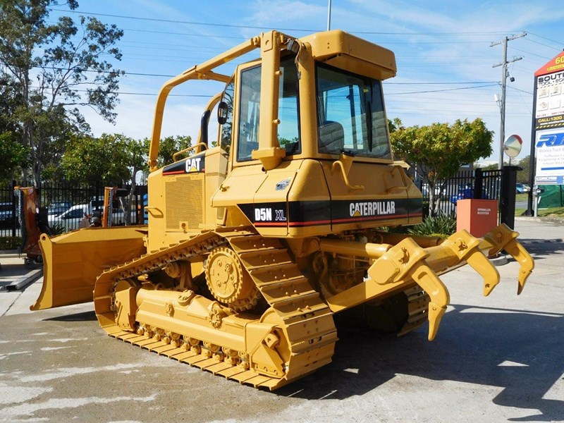 caterpillar #2217d cat d5 dozer d5n.xl bulldozer with ac cab & brush guard [low hours] [machdoz] 436684 008